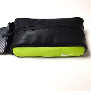 Nike Modern Tech Travel Kit